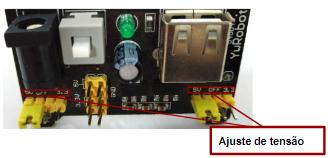 Ajuste a tensão de um lado da fonte para 5V e o outro 3,3V.