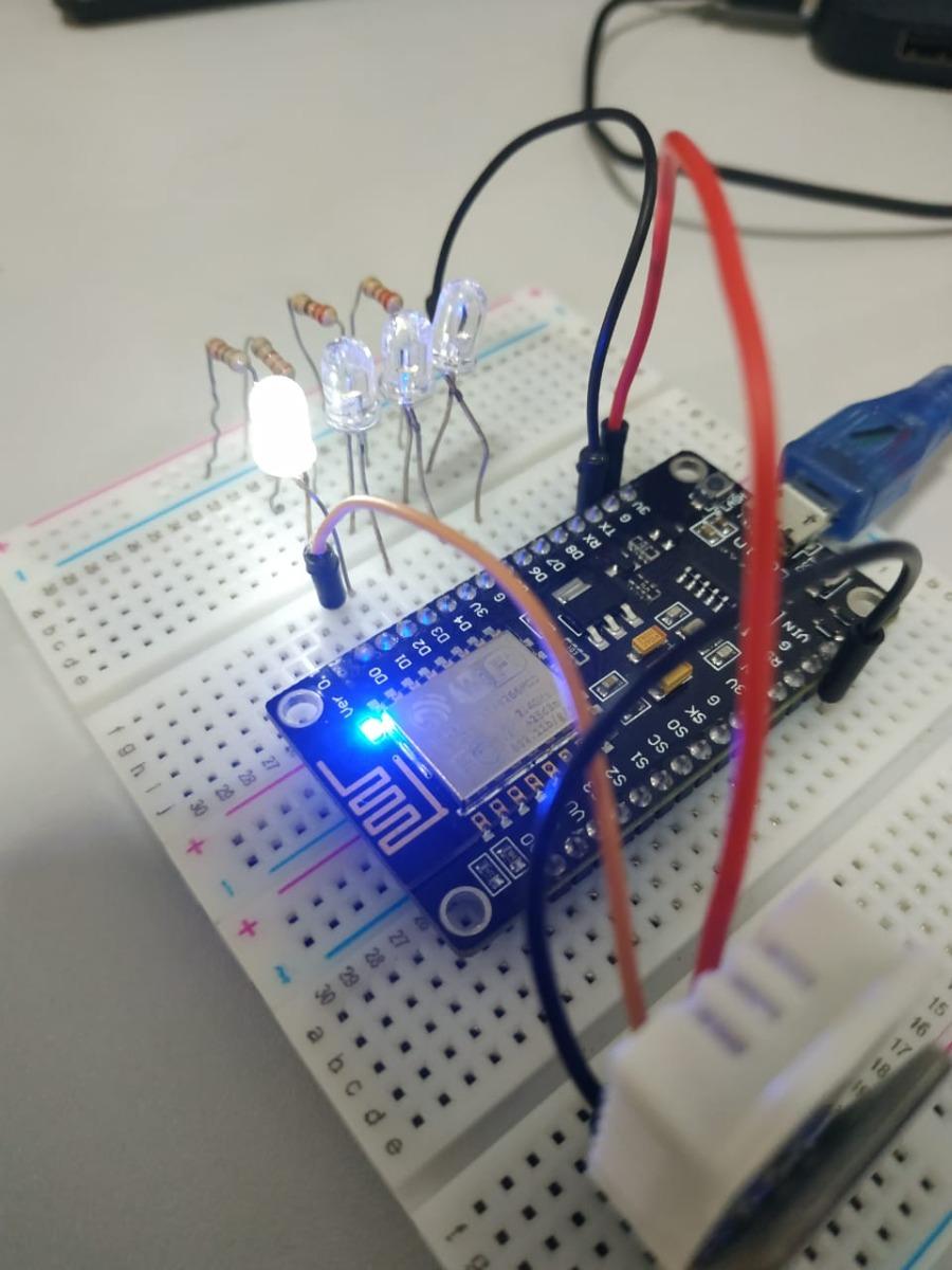 Nodemcu circuito leds dht22